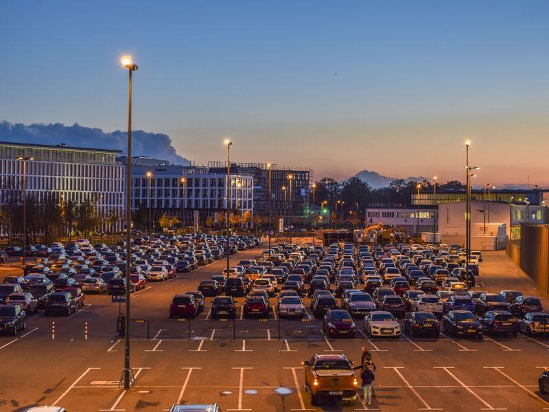 Pourquoi stationner sa voiture près de l'aéroport ?